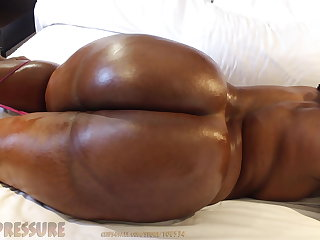 South African Big Booty Nympho cums correct