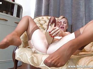 Foot Fetish Sexy blonde Milf fucks her heels in vintage nylons lingerie