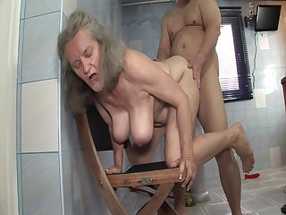 Rimjob Shameless sex with granny in the bathromm