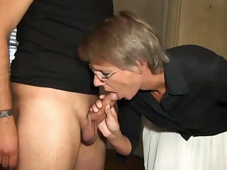 Muscular Women Sophie gets double fucked