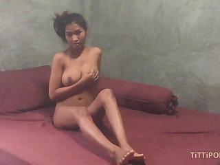 Thai Busty Thai girlfriend gives the best head
