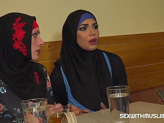 Orgy Muslim woman spread her legs for ID's