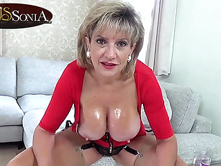 Softcore Lady Sonia wants you to wank to her sexy body