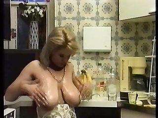 Louise Leeds
