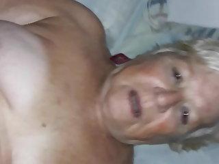 Argentinian porota cojiendo clitoris grande y rojo