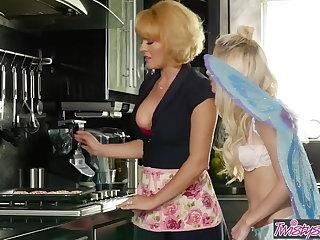 Mom Knows Best - Krissy Lynn and Piper Perri - Trick Or Twat Piper Perri